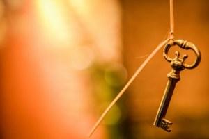 """O que é a """"chave de Davi, que abre, e ninguém fechará"""" que Jesus diz que tem?"""