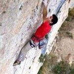 Ramón Julián escalando 8c a vista