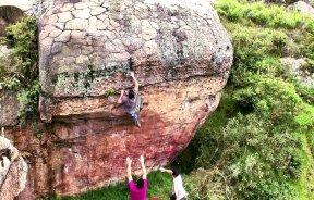 Video de escalada en boulder Threat Level Colombia