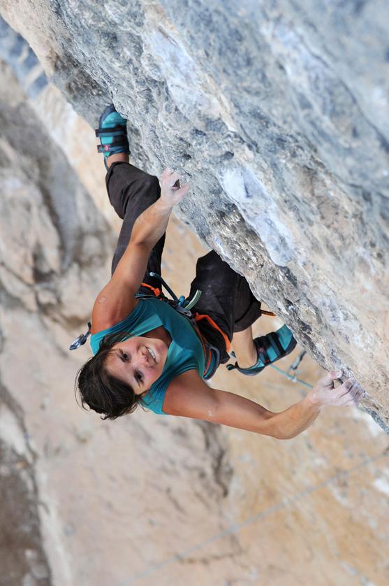 Video de escalada deportiva Nina Caprez en Fish eye 8c