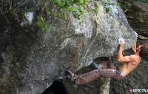 Video Playa y escalada boulder en Brasil con Paul Robinson y Felipe Camargo