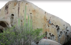 Video Escalada Boulder; Chris Sharma descubre boulder en la isla de Aruba