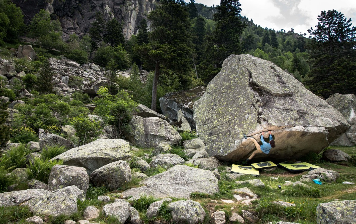 Cavallers, sector de escalada en búlder en los Pirineo Catalanes