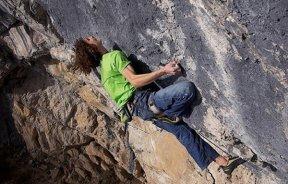 Adam Ondra suma otra escalada de grado 9a+