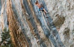 Segundo 9a+ femenino por la escaladora belga Anak Verhoeven