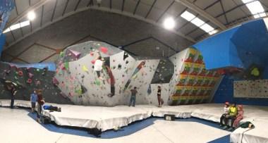 Boulder UP Climbing Café - Escalada deportiva y boulder en Asturias