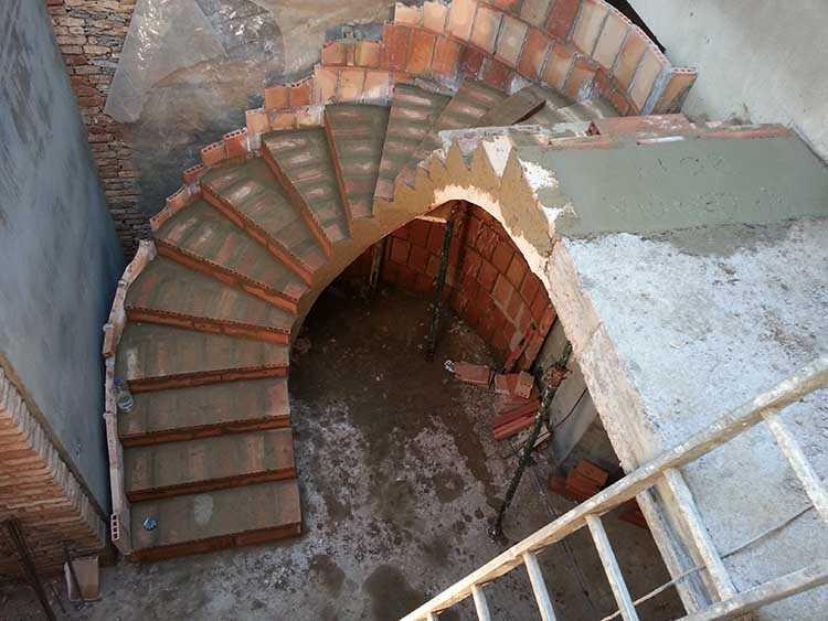 Construccin de una escalera  Escaleras Clavel