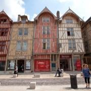 Troyes, Aube en région Grand Est : rue Emile Zola