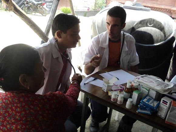 cuba, nepal, terremoro en nepal, medicos cubanos