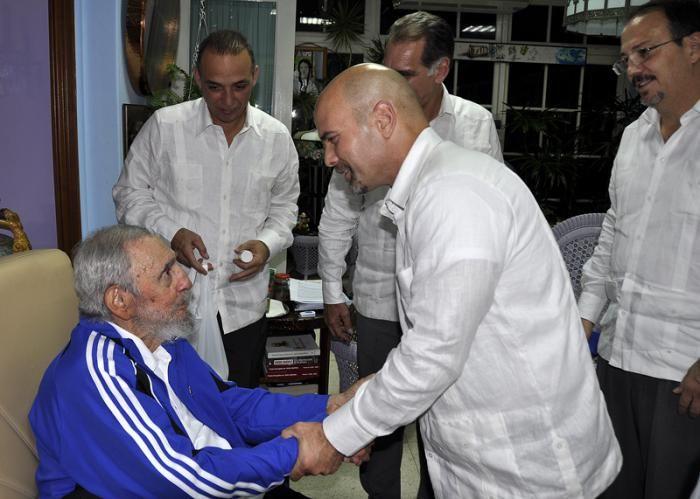 Durante el intercambio con Fidel, luego del retorno.