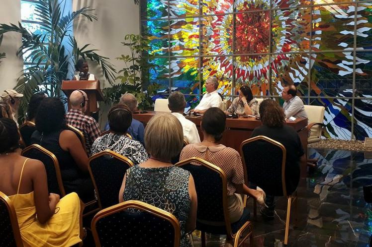 Díaz-Canel trasladó el agradecimiento de los cubanos por la valiosa labor de solidaridad que realizan los Pastores por la Paz. (Foto: Presidencia Cuba)