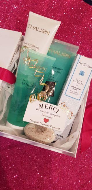 Thalion Corps: 1 gommage, 1 Baume, 1 gel douche -84€ en cadeau 1 crème perle de tiaré et 1 savon exfoliant