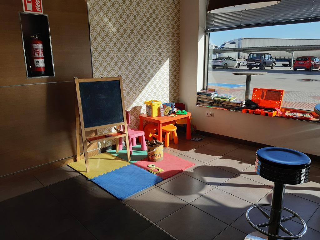 Áreas de Servicio A6 con zona infantil