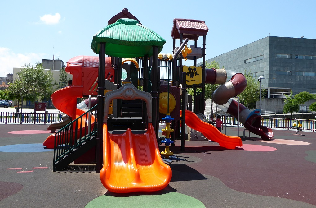 El parque infantil Miguel Hérnandez (Vilagarcía)