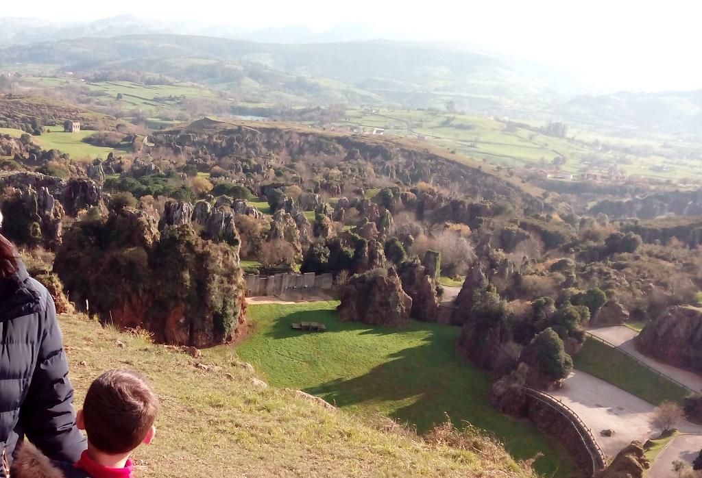 Los valles pasiegos de Cantabria, con niños