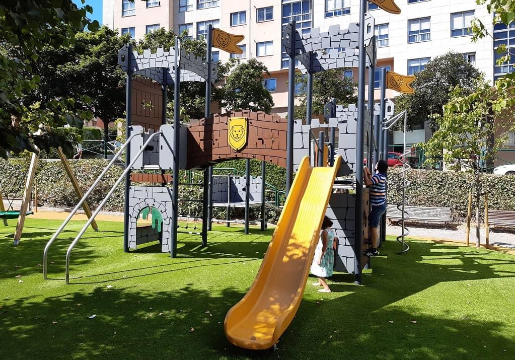 El parque infantil de Los Rosales (A Coruña)