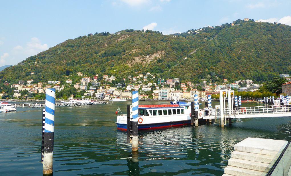 En barco por el lago Como con niños