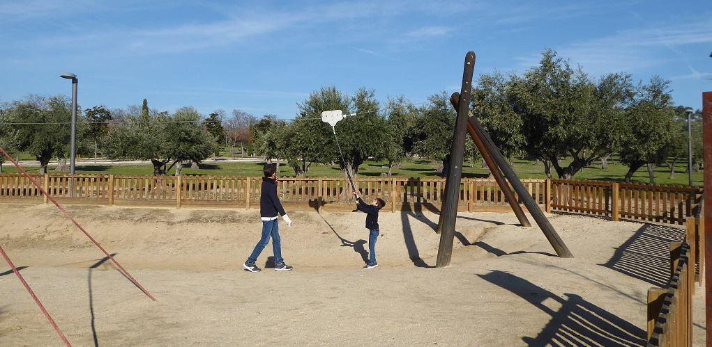 Parque Juan Carlos I con niños