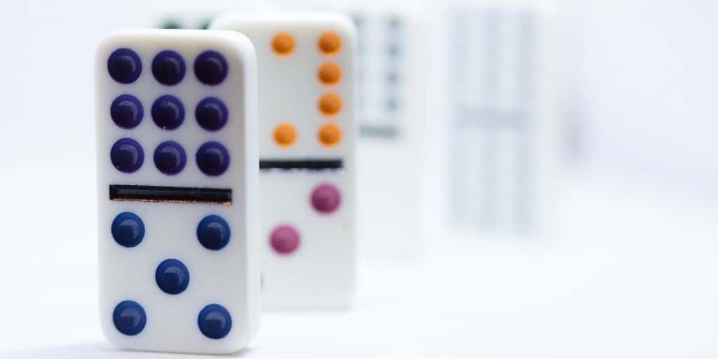 Juegos populares para niños dominó