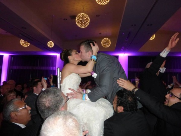 Mandy and Thomas, dancing in air