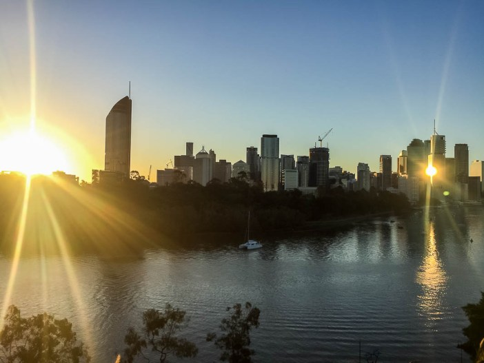 If you've spent time travelling in Australia, chances are you will have heard people arguing which is better- Sydney or Melbourne. Well, I'm going to throw a curve ball here and prove to you that Brisbane is the best! Find out here why I love Brisbane and why you will too.