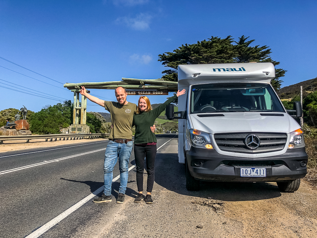 This guide is packed full of 51 tips for driving around Australia on a budget! Save money on fuel, food and tours with these road trip tips! #australiaroadtrip #budgetaustralia #drivingaustralia