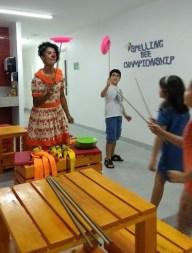Oficina na Escola de Inglês Red Ballon