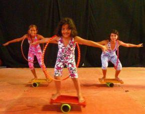 Aulas de circo para crianças e adolescentes