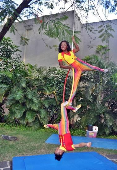 Artistas da True Circus no Duo na Lira