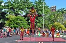 Apresentação de Perna de Pau no Parque da Jaqueira