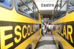 Vereadores de Curitiba aprovam proposta de flexibilização em lei do transporte escolar