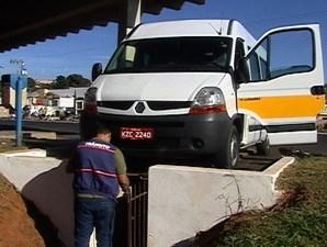Prefeitura do Rio sanciona isenção de vistoria de táxis e transporte escolar em 2021