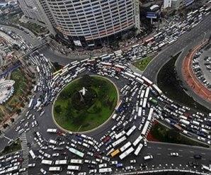 Aumentou a formalização de motoristas de aplicativos e diminuição de motoristas escolares, diz Sebrae