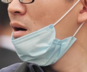 Pais reclamam do uso incorreto de máscaras por alguns motoristas de vans escolares