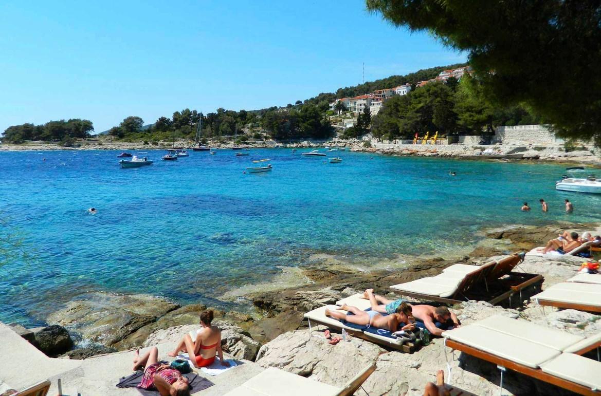 Praias mais lindas do mundo - Praia Hula Hula, na Ilha de Hvar (Croácia)