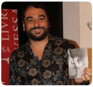 """Alex Andrade e o livro """"Amores, Truques e Outras Versões"""""""