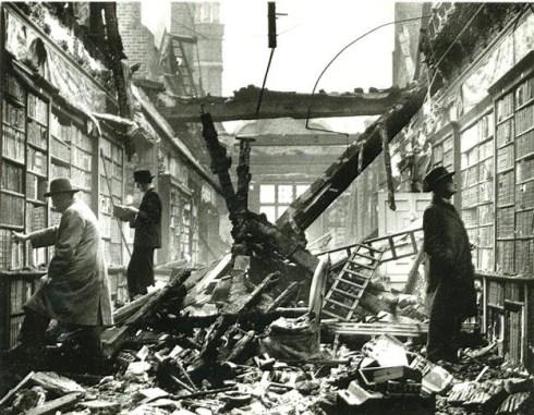 biblioteca_bombardeada