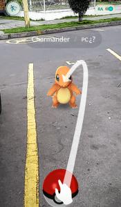 Un ser animado de la historia Pokémon aparece en el parqueadero de mi conjunto