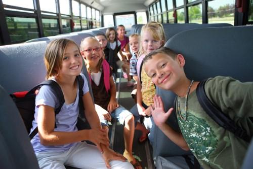 10 Actividades y juegos para viajar con niños en coche