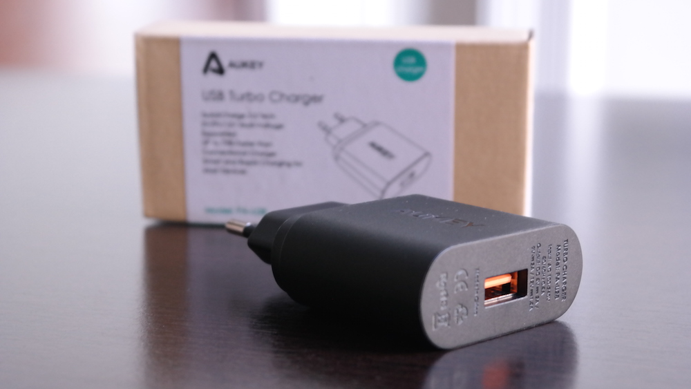 Cargador USB Aukey Quick Charge 2.0