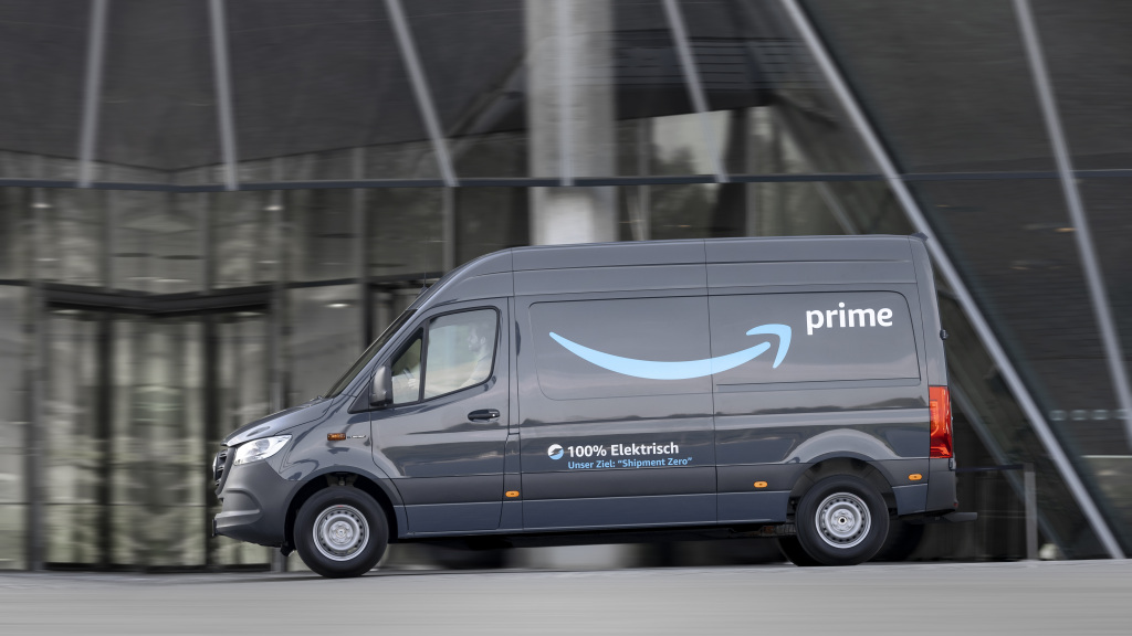 Mercedes-Benz Signs on to The Climate Pledge; Announces Major EV Van Order From Amazon