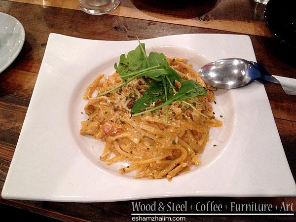 wood-and-steel-coffee-furniture-art-segmen-jom-ngopi-eshamzhalim-cafe-review-05
