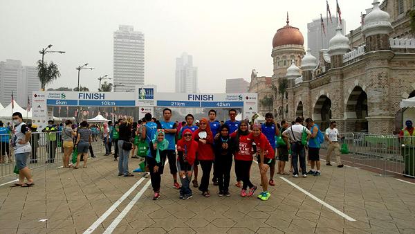 scklm2015-kl-marathon-dataran-merdeka-msig-standard-charted-kuala-lumpur-marathon-2015-eshamzhalim