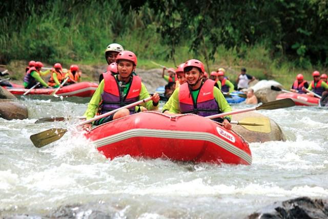 kuala-razila-white-water-rafting-eshamzhalim
