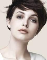 cute short straight hairstyles
