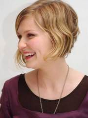 cute short haircuts wavy