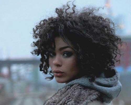 25 Naturally Curly Short Hairstyles Short Hairstyles Haircuts