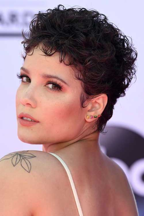 Latest Short Curly Hairstyles for Ladies  Short