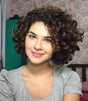 short curly haircuts women