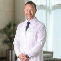 د. ماثياس مانيغ